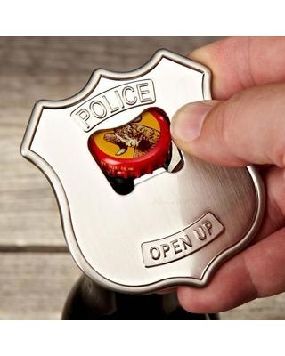police open up beer opener kikkerland 2 j.p.meulendijks